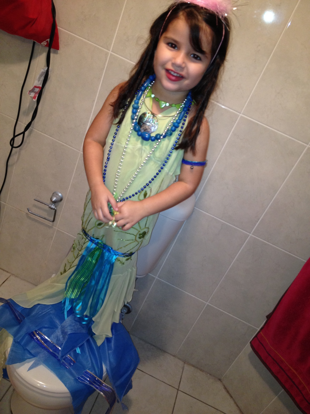 St Vinnies Bankstown - how to make a mermaid tail